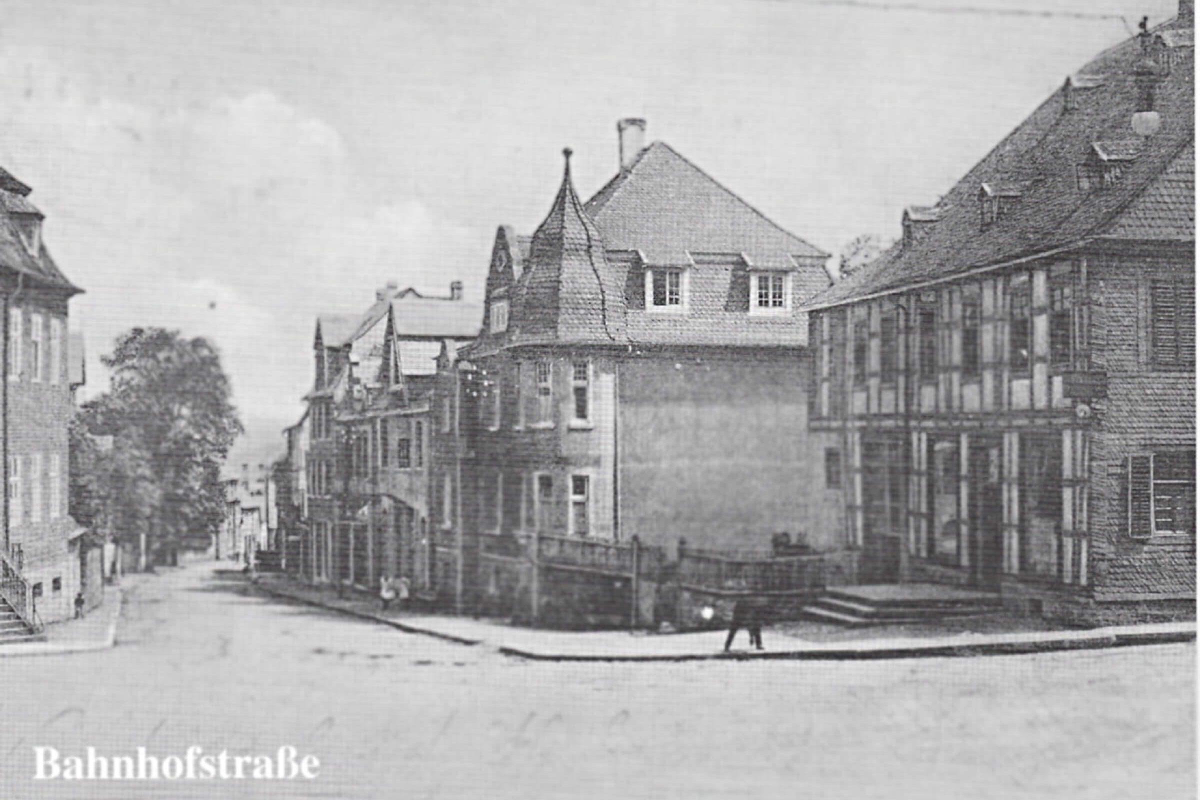 Blick in die Bahnhofstraße in den 20er Jahren